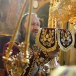 В Крестовоздвиженском храме праздничные службы возглавил Наместник Лавры