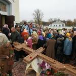 Архиепископ Павел освятил придорожные кресты в пгт. Гребенки