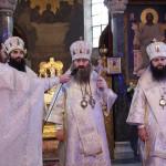 За богослужением в Крещенский сочельник освятили воду