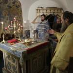 В пещерном храме совершилось ночное архиерейское Богослужение
