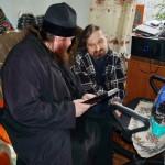 Братия Лавры навестили инвалидов