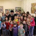 Наместник Лавры посетил детей, нуждающихся в отеческом утешении