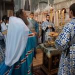 Чудное явление иконы Божия Матере, еже на горе Почаевстей, прославим (обновлено)