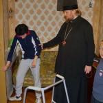 Братия социального отдела оказывает постоянную помощь инвалидам и одиноким