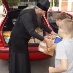 Братия соцотдела продолжает помогать продуктами питания детским учреждениям