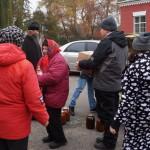 Социальный отдел Лавры оказывает помощь подопечным духовным наставлением, продуктами питания и теплой одеждой