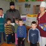 В дни попразднства Сретения братья соцотдела Лавры навестили с гостинцами реабилитационный центр для детей
