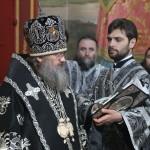 Предстоятель УПЦ в сослужении Наместника Лавры совершил Литургию Преждеосвященных Даров в Крестовоздвиженском храме