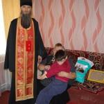 Братия продолжают преподносить пасхальные подарки детям, малоимущим и людям с ограниченными возможностями