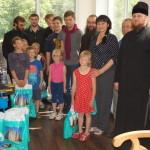 Братия социального отдела передала пианино детскому дому семейного типа
