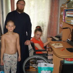 Люди с ограниченными возможностями с благодарностью приняли помощь соцотдела Лавры
