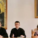Обсуждение на молодежной встрече темы занятий спортом