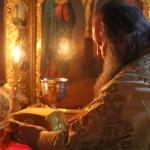 Митрополит Павел звершив ранню Літургію в Хрестовоздвиженському храмі