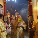 В Крестовоздвиженском храме раннюю Литургию совершил митрополит Павел