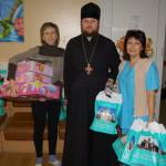 Братия соцотдела Лавры посетили детей из онкоцентра