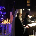 Наместник Лавры возглавил ночную Божественную Литургию