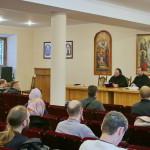 На молодіжній зустрічі обговорювали житія Печерських святих