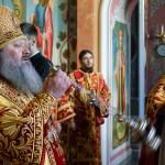 Богослужение понедельника Светлой седмицы возглавил митрополит Павел