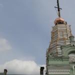Предстоятель УПЦ освятил купол с крестом над храмом прп. Агапита Печерского
