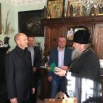 Наместник Лавры вручил церковные награды сотрудникам ГСЧС
