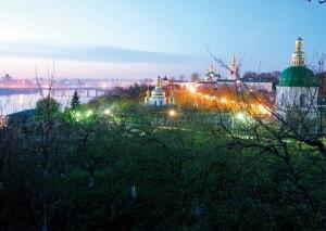 Виды вечерней Лавры