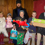 Соцотдел Лавры поздравил многодетные семьи с Днем Святого Николая