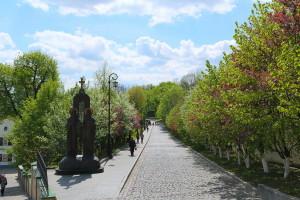 Виды Лавры весной