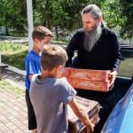 Братия Лавры оказали помощь детям Центра с. Копылов