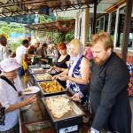 Лавра продолжает организовывать обеды для малоимущих