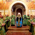 Наместник Лавры возглавил Акафист Преподобным отцам Печерским