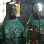 «Первейший лик богоносных отец, в пещере постом просиявших, почитаем…»