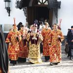 Богослужения Радоницы совершили Наместник с братией Лавры