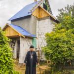 Священнослужитель Лавры посетил с подарками cтроительство часовни