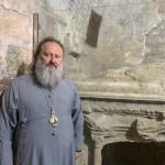 Митрополит Павел молился у гробницы Свт. Николая