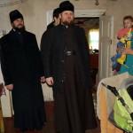 Братия Лавры побывали с подарками в многодетных семьях в предпраздничный период