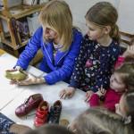 Учащиеся иконописной школы ознакомились с технологией изготовления обуви
