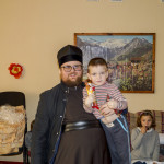 Братия соцотдела в канун Рождества поздравили детей
