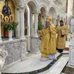 Наместник Лавры совершил Литургию в храме вмц. Варвары