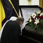 Митрополит Павел попрощався з хірургом Петром Фоміним