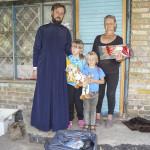 Братия соцотдела помогли собрать в школу детей из малоимущих семей