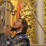«…Радосте наша, покрый нас от всякого зла честным Твоим омофором»