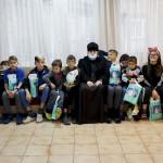 Братія соцвідділу привітали дітей в спеціалізованій установі з днем Св. Миколая
