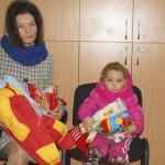 Подопечные соцотдела получили поздравления и подарки перед Рождеством