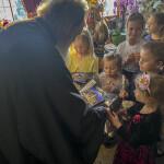 Детский хор поздравил Наместника Лавры в преддверии Пасхи