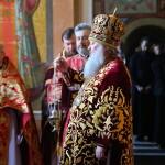 Наместник Лавры возглавил Литургию в Неделю о расслабленном