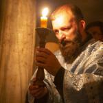 Наместник Лавры совершил ночную Литургию в пещерах