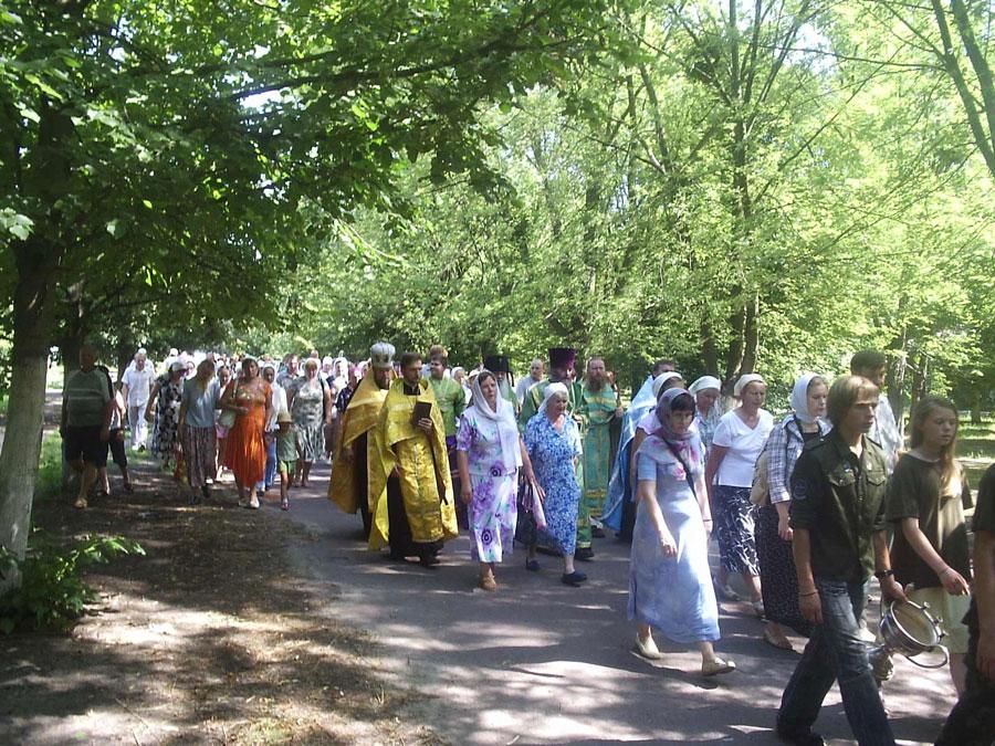 Крестный ход в день памяти преподобного Антония Печерского