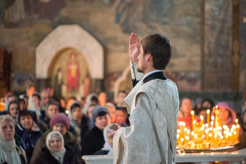 Митрополит Павел возглавил заупокойные богослужения Вселенской родительской субботы