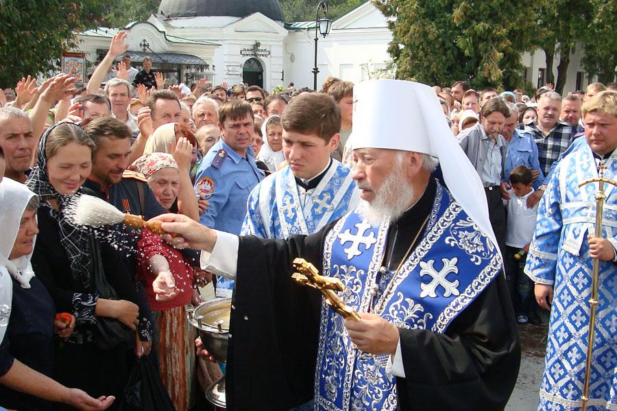 В Киево-Печерской Лавре престольный праздник!
