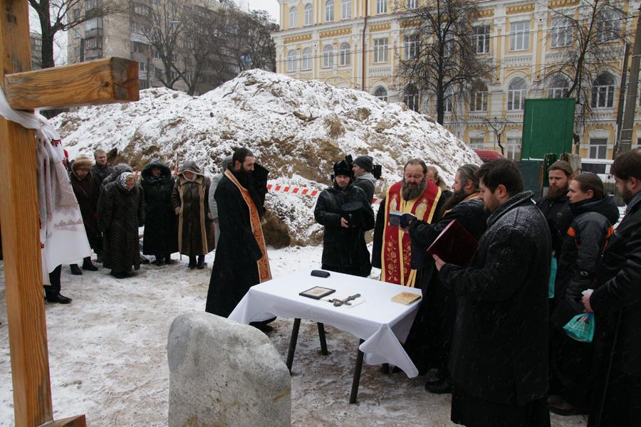 В день памяти великомученицы Варвары архиепископ Павел отслужил молебен